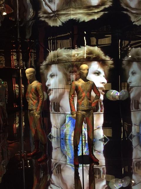 B8 David Bowie is -detail